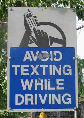 Avoid-texting-while-driving